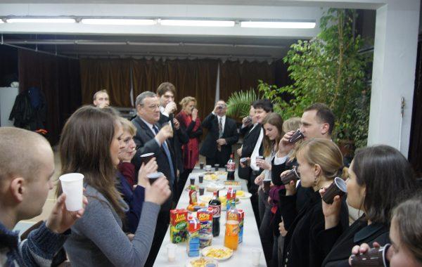 Przyjęcie po Koncercie Noworocznym 2011 - wspólny toast z rektorem dr hab. Tomaszem Boreckim – (13 stycznia 2011 r.)