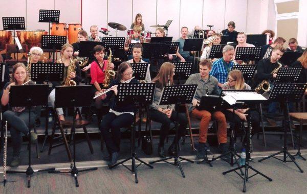 Próba orkiestry w wyremontowanej Sali orkiestry w przybudówce akademika Adara (październik 2017 r.)