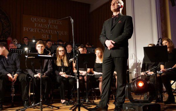 Tomasz Labuń podczas Koncertu Noworocznego 2016 (14 stycznia 2016 r.)
