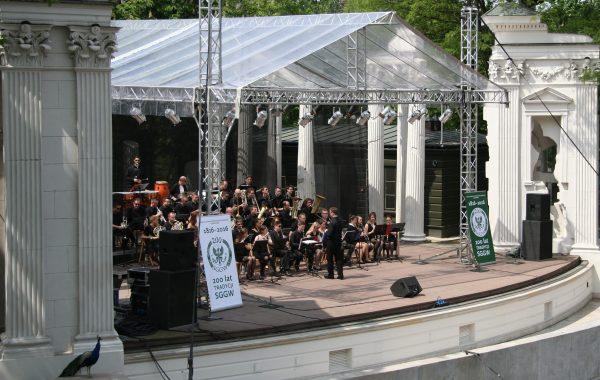 Koncert w Łazienkach Królewskich z okazji 200-lecia SGGW (22 maja 2016 r.)