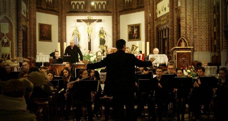 Koncert muzyki klasycznej w katedrze św. Floriana w Warszawie